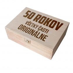 50 rokov - všetky časti originálne - drevený box na čaj s gravírovaním